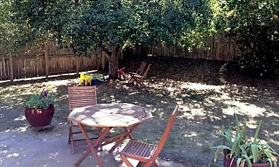 Patio / Deck, 805 33rd St, 2