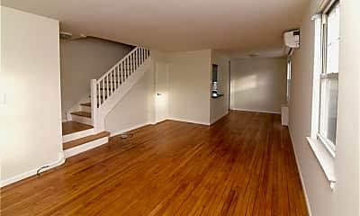 101 Carpenter Ave A100, 1