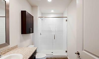 Bathroom, 234 N Christopher Columbus Blvd 501, 2