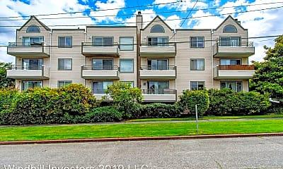 Building, 2100 California Ave SW, 2
