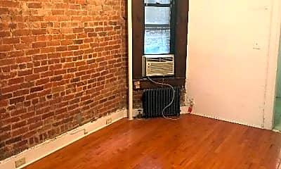 Living Room, 324 E 73rd St, 1