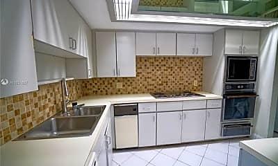 Kitchen, 2843 S Bayshore Dr, 1