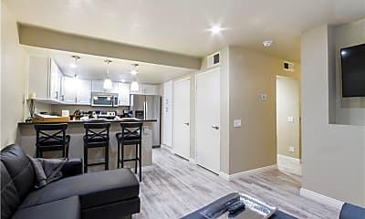 Living Room, 192 S Cross Creek Rd L, 1