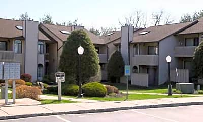 Building, Pine Hollow Commons, 1