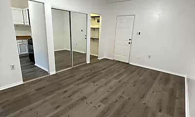 Living Room, 444 S Burlington Ave, 2