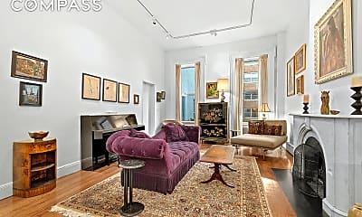 Living Room, 48 Gramercy Park N 3-R, 1