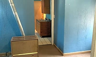 Kitchen, 808 E Chambers St, 2