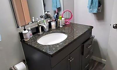 Bathroom, 455 Wymore Rd, 1