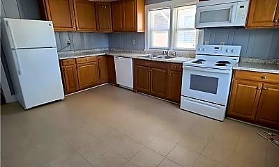 Kitchen, 1702 Hampton Blvd 3, 2