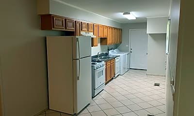 Kitchen, 165 W Wayne Pl, 1