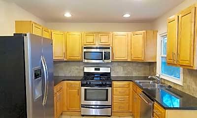 Kitchen, 17 Bartlett Ln, 1