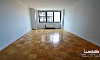 Living Room, 195 E 72nd St, 1