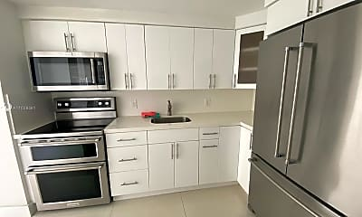 Kitchen, 6770 Indian Creek Dr 5P, 1