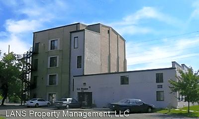 Building, 108 3rd Ave NE, 1