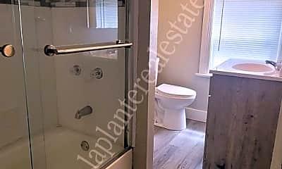 Bathroom, 3212 Maher St, 2