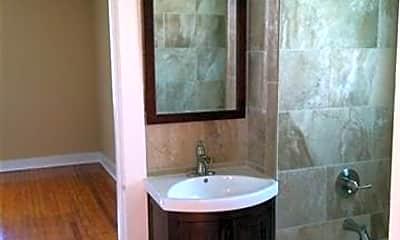 Bathroom, 1010 Short St, 2