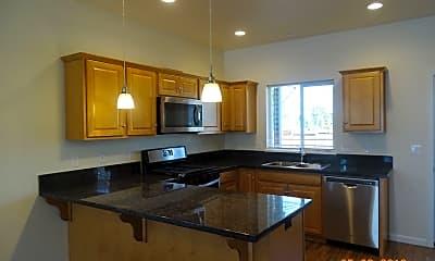 Kitchen, 1015 Coburg Rd, 1