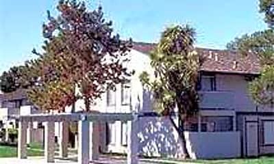 Crestview Pines, 0