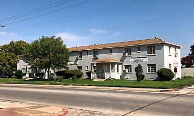 Southcreek Apartments, 1