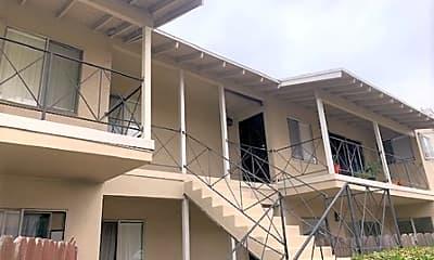 Building, 3712 Redondo Beach Blvd B, 1
