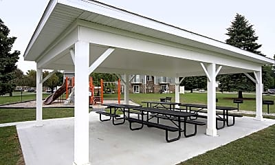 Courtyard, Arbor Reserve, 2