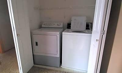 Bathroom, 811 Burr Oaks Dr, 2