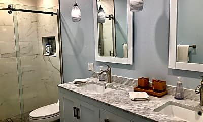Bathroom, 1111 Ramon Rd, 2