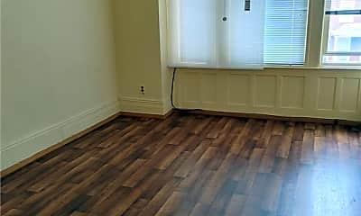 Living Room, 72-34 67th St 2FL, 0