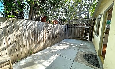 Patio / Deck, 3429 Stewart Ave, 1