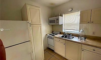 Kitchen, 1824 Adams St 3, 2