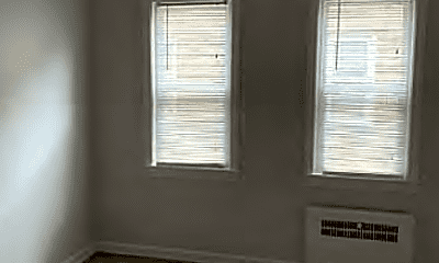 Bedroom, 2824 E 130th St, 2