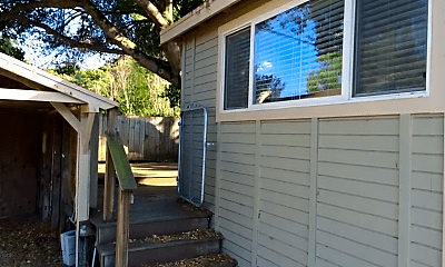 Patio / Deck, 4547 Petaluma Blvd N, 0
