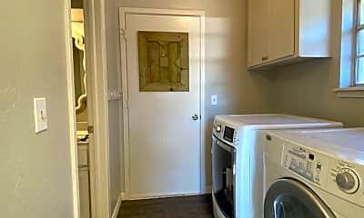 Bathroom, 6220 NW 75th St, 2
