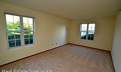 Living Room, 17975 W Greenfield Ave, 1