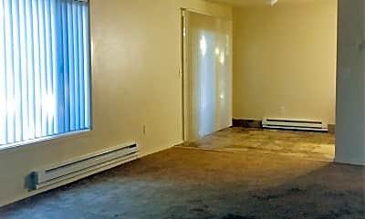 Living Room, 11111 SE Bush St, 2