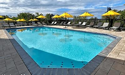 Pool, 4830 Tonnelle Ave, 2