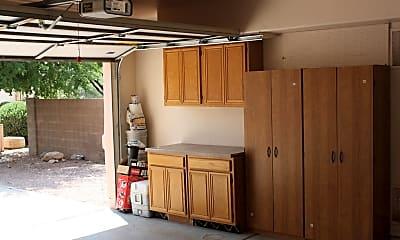 Kitchen, 6441 N Shadow Bluff Dr, 2
