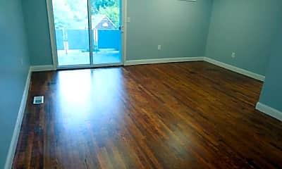 Living Room, 114 S Parke St, 0