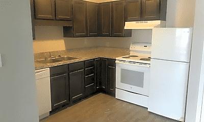 Kitchen, 601 Monterey Dr, 1