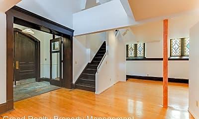 Living Room, 495 Ashland Ave, 1