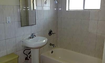 Bathroom, 1019 W St, 2
