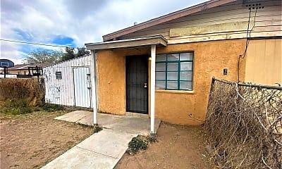 Building, 825 Parkview Dr, 0