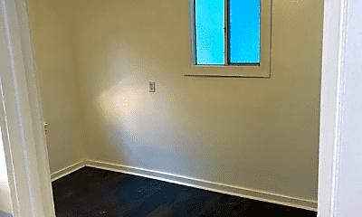 Bedroom, 555 N Virgil Ave, 2
