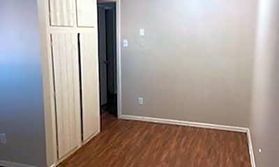 Bedroom, 811 S Mesquite St 6, 1