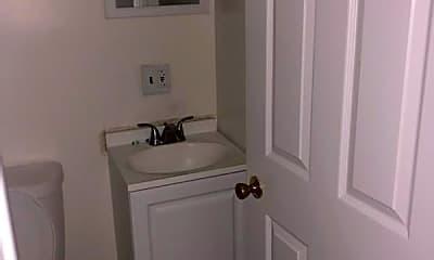 Bathroom, 703 Bartlett Ave, 2