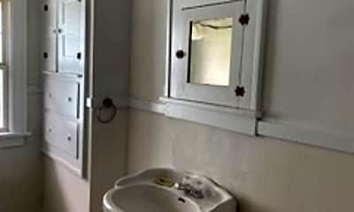 Bathroom, 118 E Kelso Rd, 2