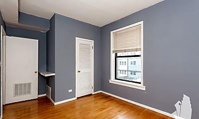 Bedroom, 1310 W Winona 2R, 1