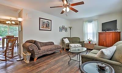 Living Room, 6761 Evans St, 1