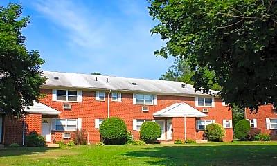 Building, Gatehouse Apartments, 1