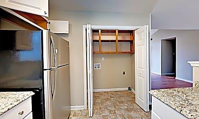 Kitchen, 329 Bagford Ct, 2
